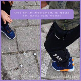 🎲 AUTOMATISEREN OP HET PLEIN 🎲 Gooi en spring het aantal ogen vooruit. Makkelijker kunnen we het niet maken, leuk is het wel😉  Zo springen de leerlingen t/m groep 4 het plein over. Niet per tegel, gewoon vrij springen. Ondertussen zijn ze aan het rekenen door de ogen op te tellen.   De differentiatie zit in het aantal dobbelstenen.  #bewegendleren #buitenles #automatiseren   www.lerenvanAtotZ.nl